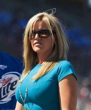 NASCAR HOT WIVES: Eva Busch
