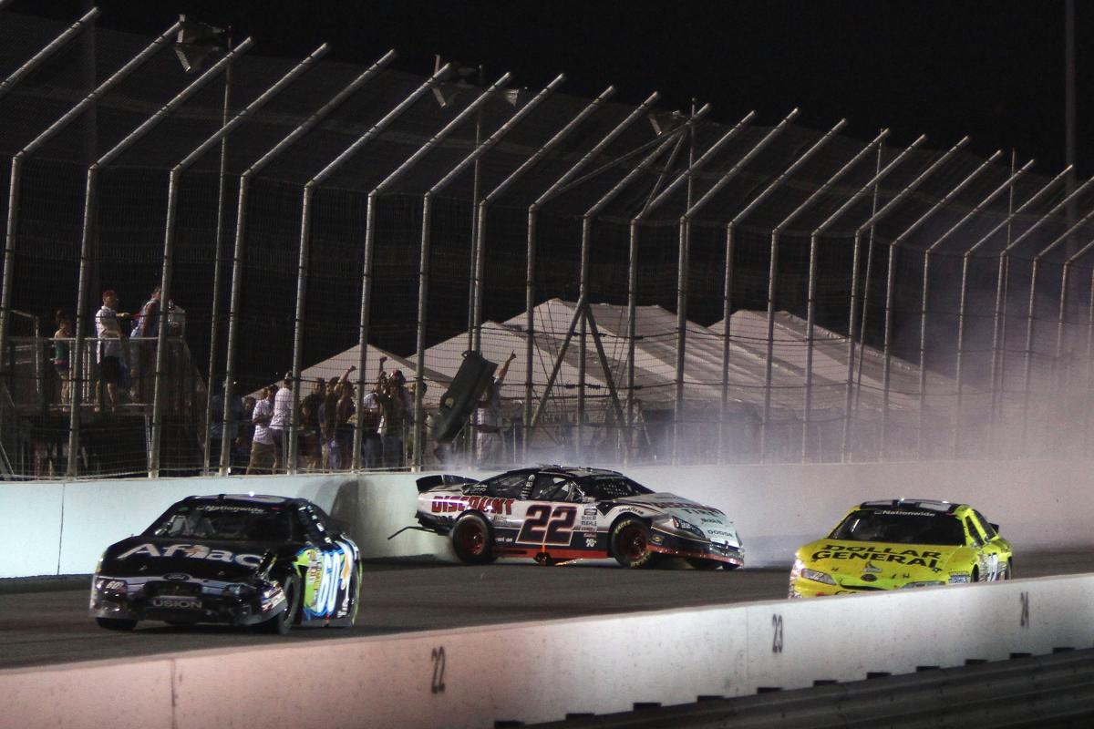 EDWARDS AND KESELOWSKI HEAT UP THE OFF WEEKEND