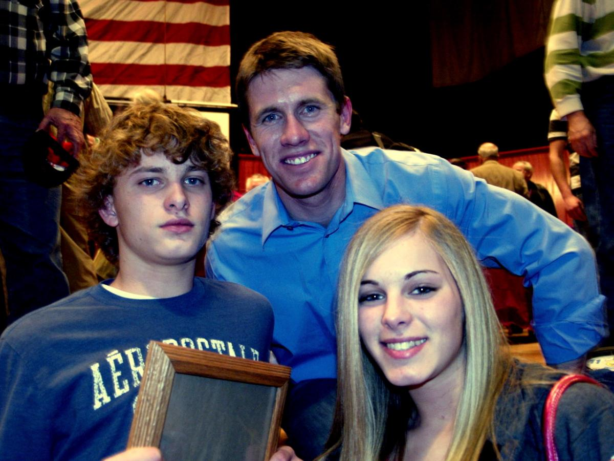 CARL EDWARDS CONFUSES AMERICA'S YOUTH
