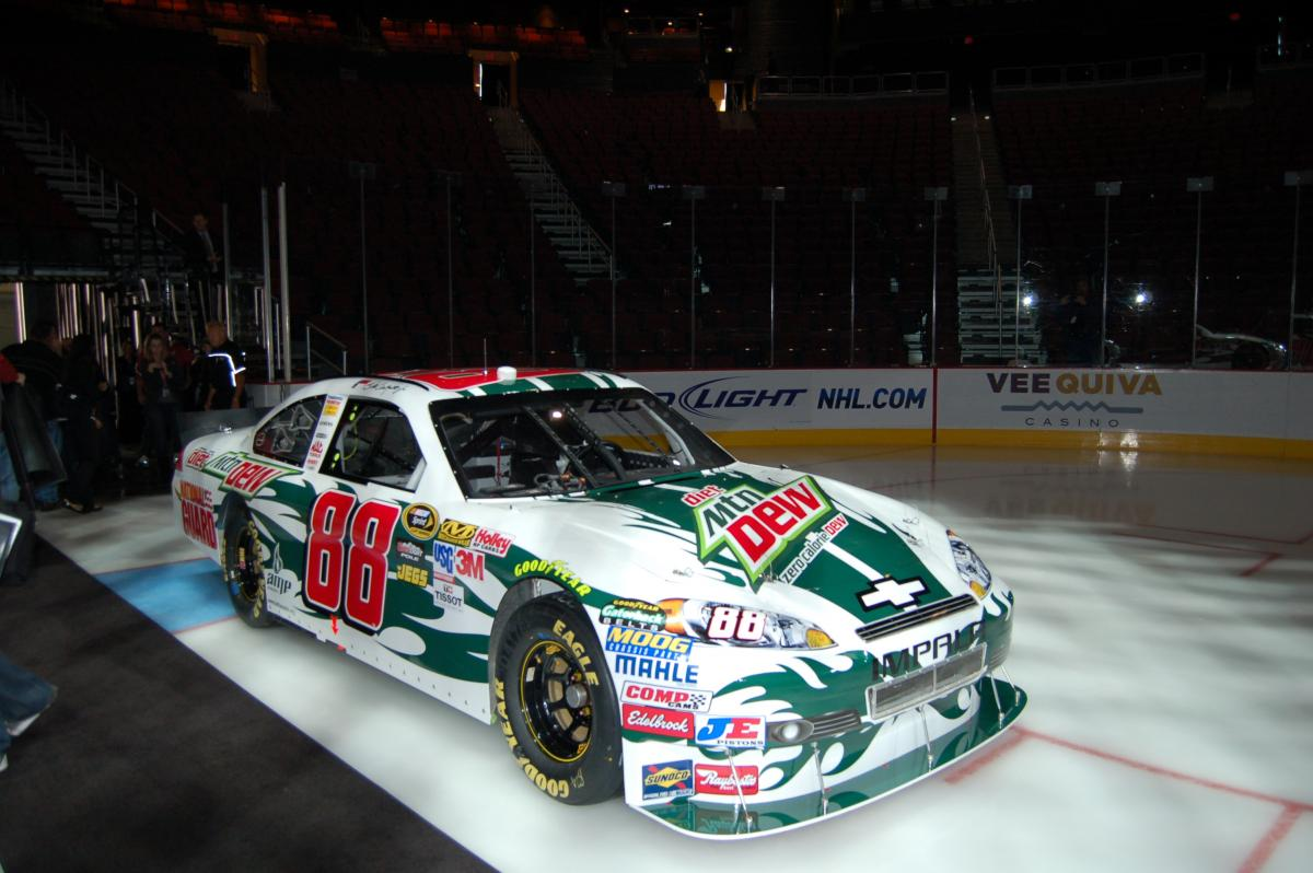 FAN DESIGNS DALE EARNHARDT JR'S RIDE