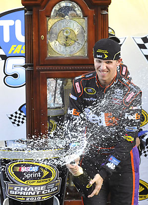 JOHNSON, HAMLIN COULD TAKE THE 2010 CHASE DOWN TO THE WIRE