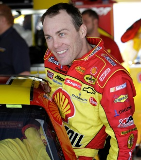 KEVIN HARVICK TWITTERS TO THE FRONT