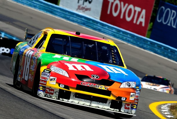 KYLE BUSCH PULLS CLOSER TO TOP 12