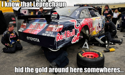 LOLNASCAR: FIND ME LUCKY CHARMS