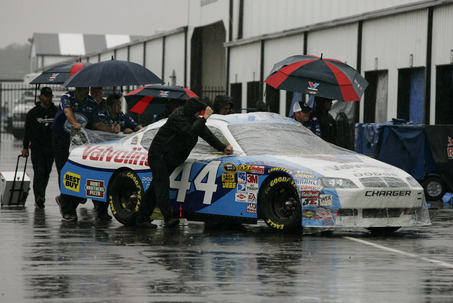 PENNSYLVANIA 500 POSTPONED BY RAIN; RACE MONDAY AT NOON ET